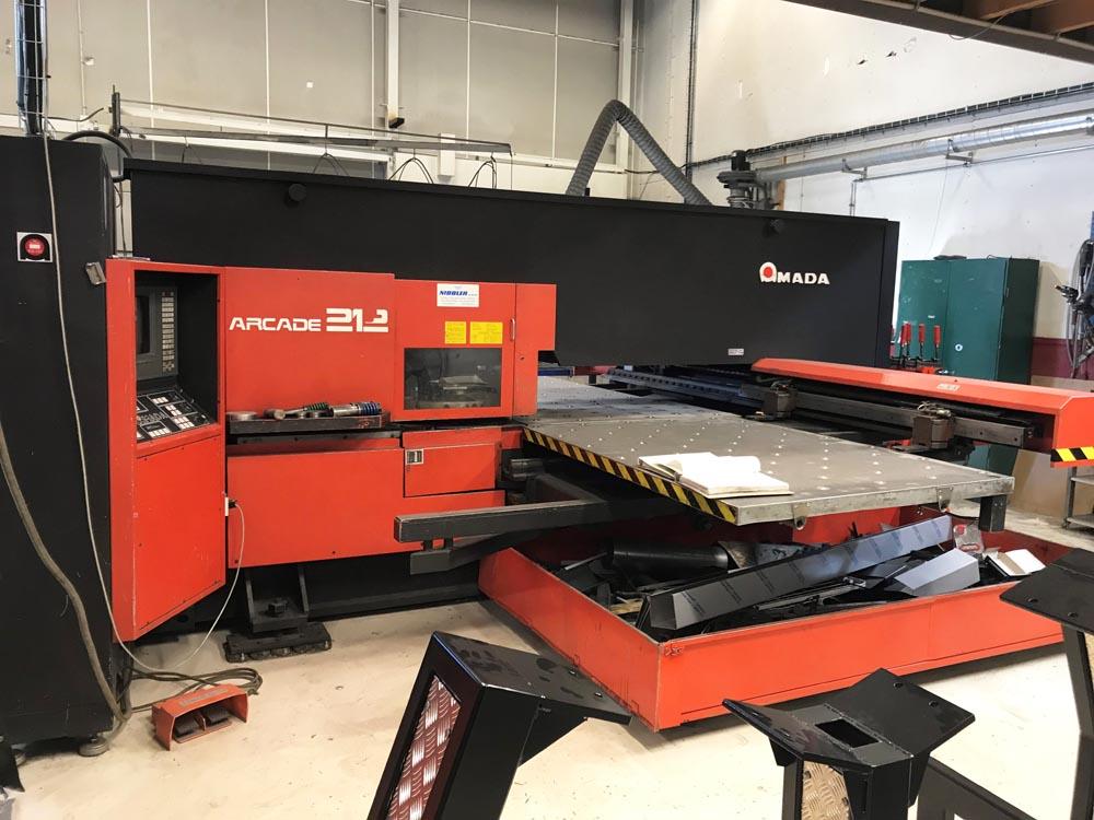 CNC turret punch press Amada Arcade 212 - Punching machines